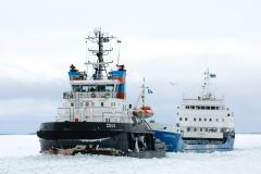 Ylosnostokuva Icebreaking Zeus  of Finland